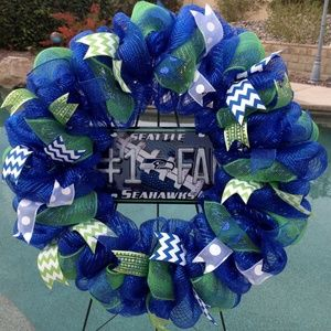 Nfl Seattle Seahawks Deco Mesh Wreath Handmade New